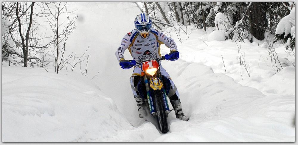 Lär dig köra i snöspår med Joakim Ljunggren