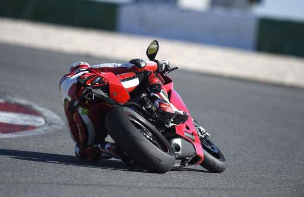 test-ducati-1299-panigale-s-2015-08